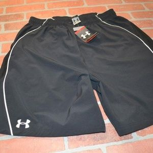 9510 Mens Under Armour Gym Shorts Size XL NEW